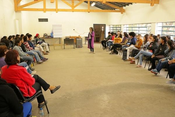 """Equipe da Educação Infantil participa de curso de """"Comunicação Não-Violenta"""""""